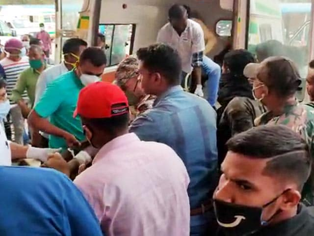 Video : 5 Police Personnel Killed In IED Blast By Maoists In Chhattisgarh