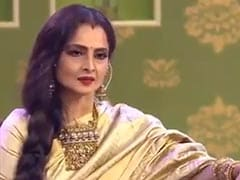 Trending: Rekha Singing <i>Rang Barse</i> In This Throwback Video Is The Perfect Holi Gift