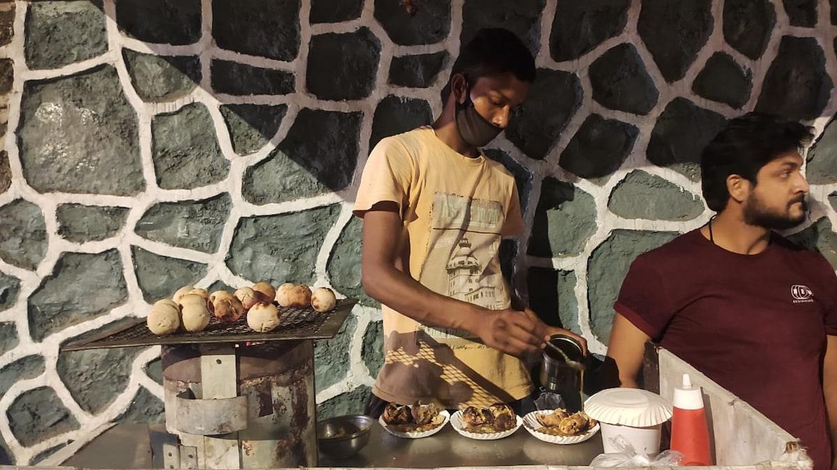 Twitter User Shares Sad Story Of Mumbai Litti Seller, Zomato Responds