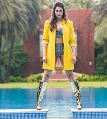 Isha Koppikar's Swimsuit Look Is Raising The Temperature