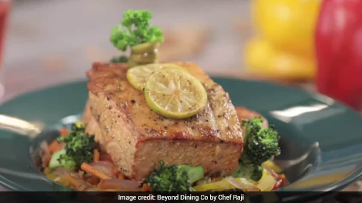 Watch: Healthy Fish And Stir-Fried Vegetables Recipe For Your Weight Loss Diet