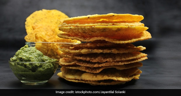 Holi 2021: How To Make Besan Papdi For Holi Get-Together At Home (Recipe Inside)
