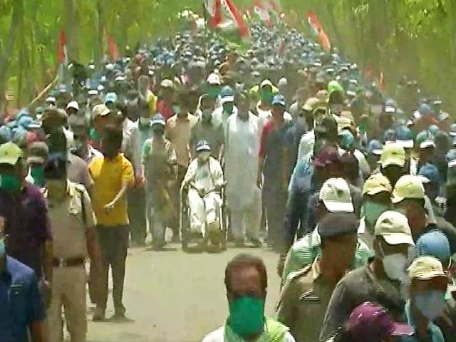 Video : Mamata Banerjee Roadshow In Nandigram