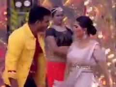 Holi Songs: पवन सिंह और सपना चौधरी ने होली पर मचाया धमाल, भोजपुरी गाने पर किया डांस- देखें Video