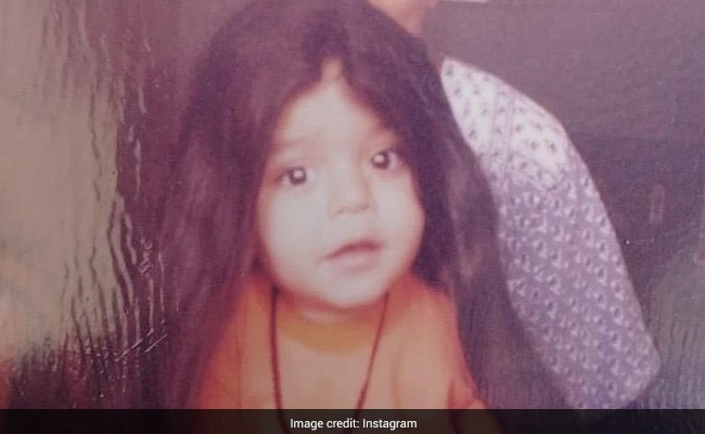 This Cutie Grew Up To Become A Bigg Boss Sensation. Any Guesses?
