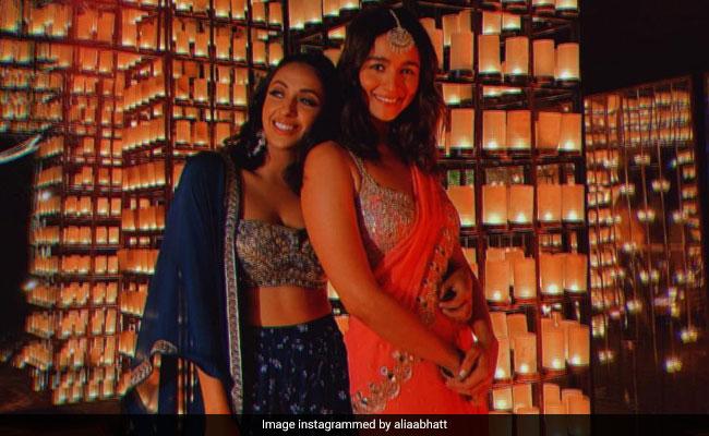 Viral: Alia Bhatt Dancing To Jalebi Bai And Genda Phool At Friend's Wedding - NDTV