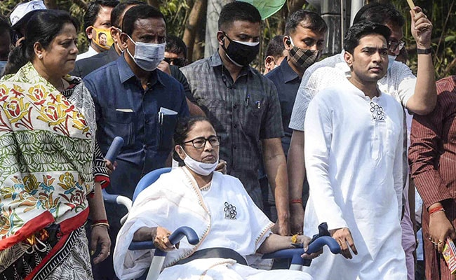 Mamata Banerjee, No Longer Looking Invincible In Bengal, Fights Her Toughest Election