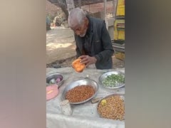 "In Viral Video, UP 98-Year-Old Seen Selling <i>Chana</i>: ""Won't Sit At Home"""