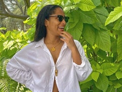 """Masaba Gupta Wears """"Too Many"""" White Shirts But """"Never Buttons Them."""" Here's Proof"""