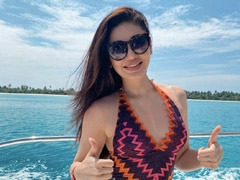 """Shefali Jariwala's Pic From Maldives Is What """"Monday Blues"""" Should Look Like"""