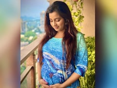 Singer Shreya Ghoshal Announces First Pregnancy With This Adorable Post