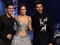 Lakme Fashion Week 2021: Kiara Advani And Kartik Aaryan Turn Heads As Showstoppers For Manish Malhotra