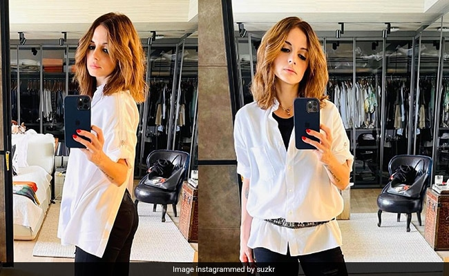 Rejuvenating For The Soul: Sussanne Khan Unleashes The Baker In Her With This Delicious Cake
