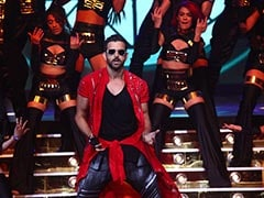 Just In Case It Wasn't Clear Enough, Hrithik Roshan Loves Dancing. Here's What He Did At The Filmfare Awards