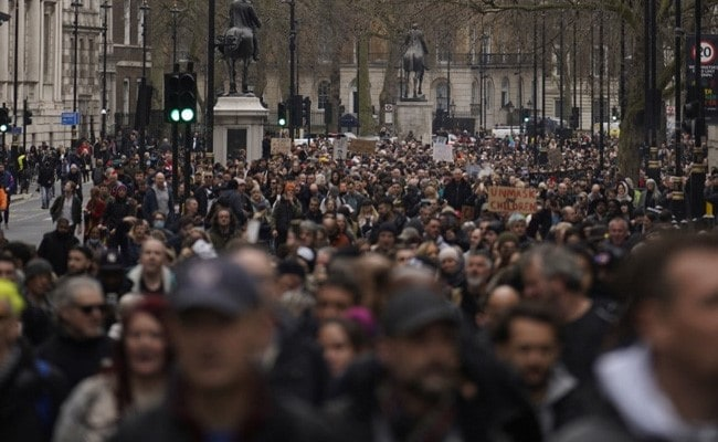 33 Arrested As Thousands Protest Against Lockdown In London