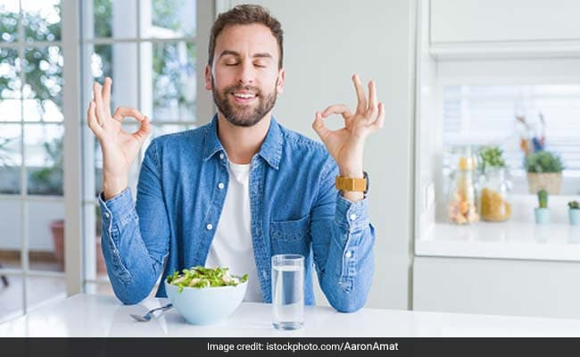 Weight Loss: Learn The Difference Between Mindful And Mindless Eating From Nutritionist Nmami Agarwal