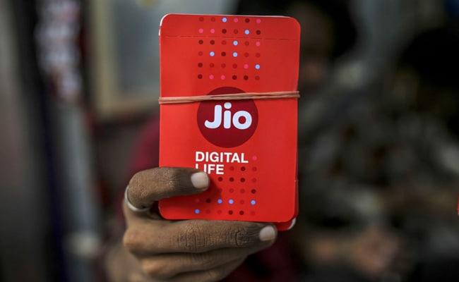Mukesh Ambani's Jio Biggest Buyer in $11 Billion India Airwave Auction