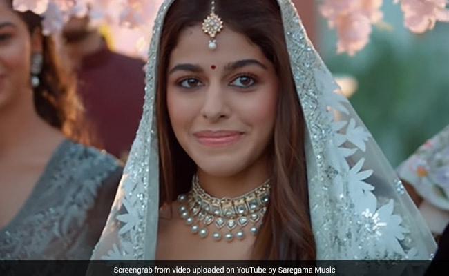 Alaya Furniturewalla's New Song Aaj Sajeya Sends The Internet Into A Meltdown