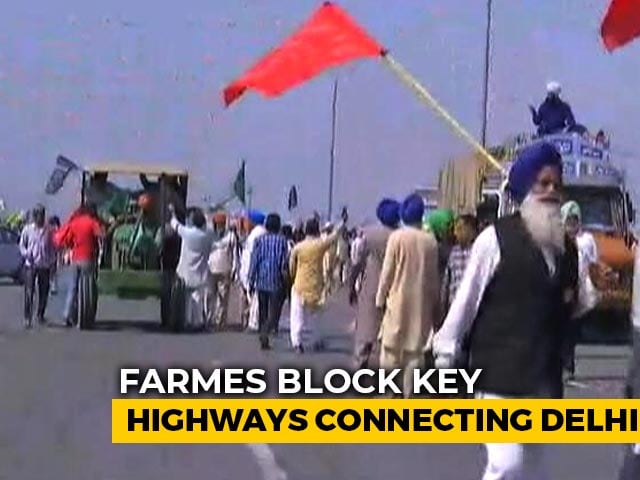 Video : Farmers Block Highway Near Delhi, Mark 'Black Day' On 100-Day Milestone