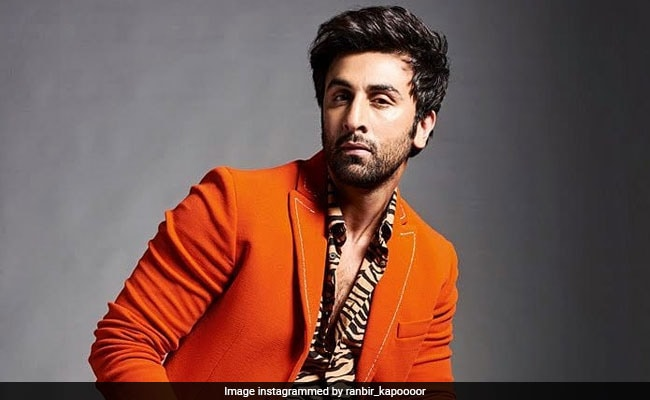 """Ranbir Kapoor Tests Positive For COVID-19; """"Recovering Well,"""" Writes Mom  Neetu"""
