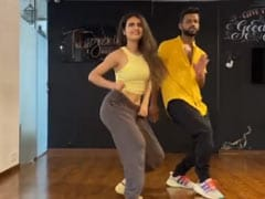 "Fatima Sana Shaikh Shares Her Rendition Of ""Don't Rush"" Challenge. So, How Did She Do?"