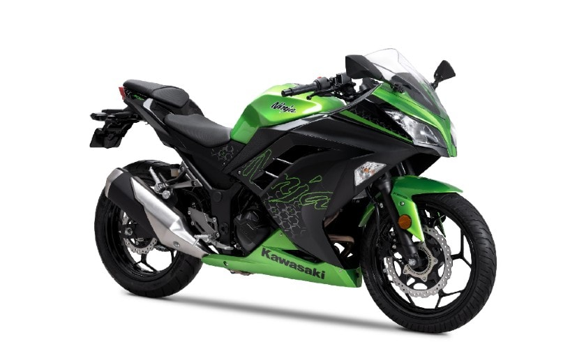 The Kawasaki Ninja 300 BS6 is priced at a premium of Rs. 20,000 over the BS4 model