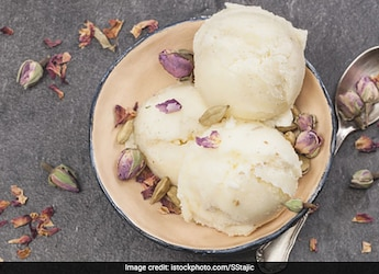 Watch: No Cream, No Condensed Milk, Here's The Easiest Vanilla Ice-Cream Recipe To Try At Home
