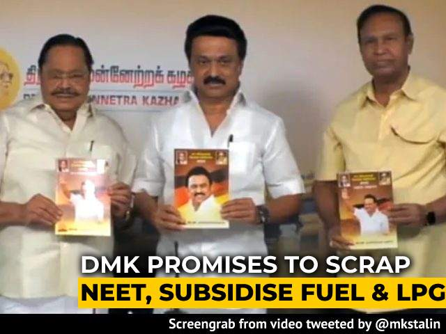 Video : Free Tablets For Students, Fuel Price Cut Among DMK's 500 Poll Promises