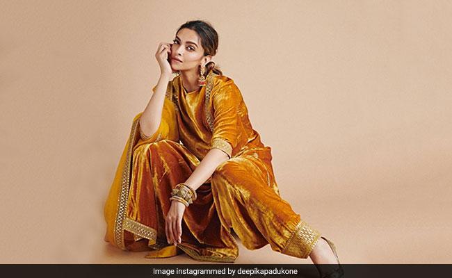 Holi Greetings From Deepika Padukone, Hrithik Roshan And Other Stars