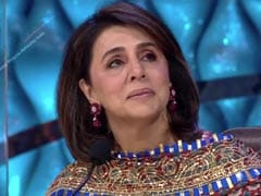 Viral: Neetu Kapoor Holds Back Tears As Celebs Remember Rishi Kapoor On <I>Indian Idol 12</i>