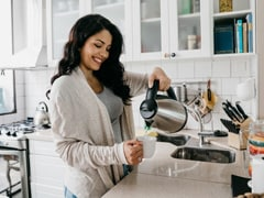 To Get Piping Hot Liquids In Minutes, Your Kitchen Needs An Electric Kettle