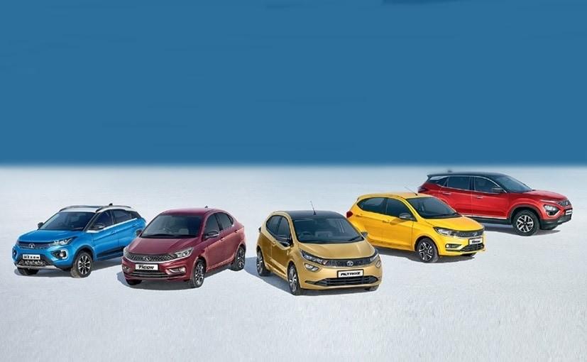 Tata Motors sold 2,20,697 passenger vehicles in Q4 FY2021.