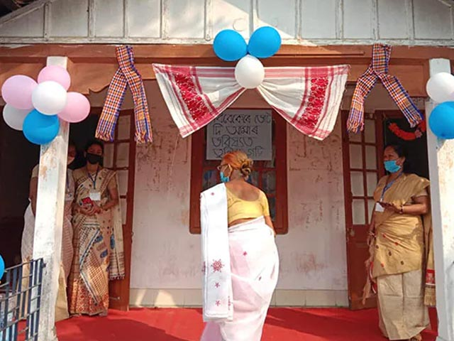 Video : Assam Assembly Election: Bihu Decorations, Children's Corner At Model Booths