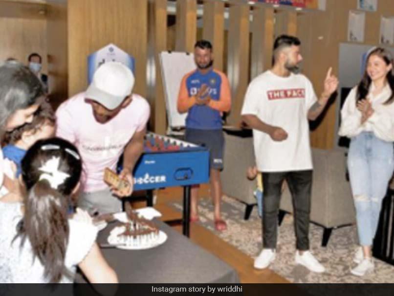 Virat Kohli, Anushka Sharma Join Wriddhiman Saha At His Son's Birthday Party - NDTV Sports