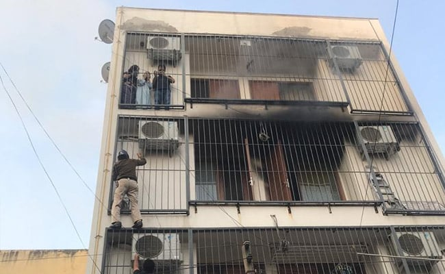 On Camera, Delhi Cops' 'Spiderman' Act To Save 3 Trapped In Fire