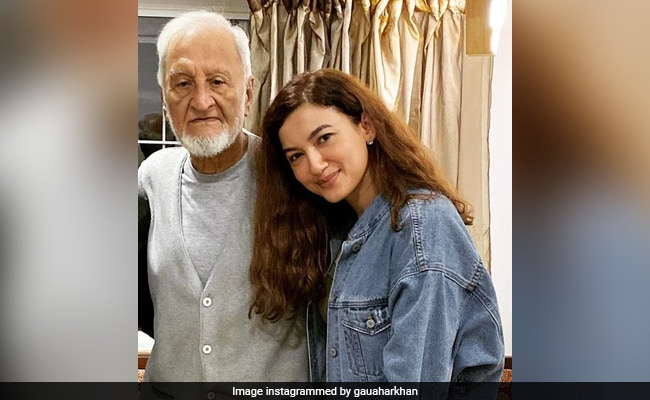 'No Man Like You': Gauahar Khan Writes Emotional Tribute After Father's Death