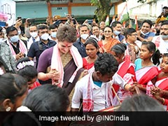 Watch: Priyanka Gandhi Vadra's '<i>Jhumur</i>' Dance With Tea Tribes Of Assam