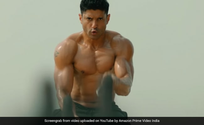 Shah Rukh Khan, Hrithik Roshan And Other Stars Tweeted This About Farhan Akhtar's Toofaan Teaser