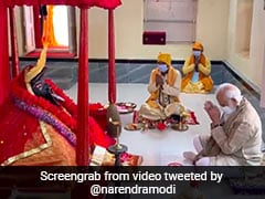Prayed To <i>Maa</i> Kali To Free World Of Covid: PM Visits Temple In Bangladesh