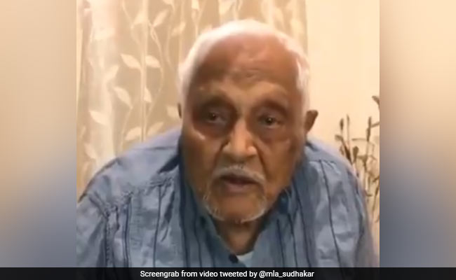 102-Year-Old Retired Army Officer's