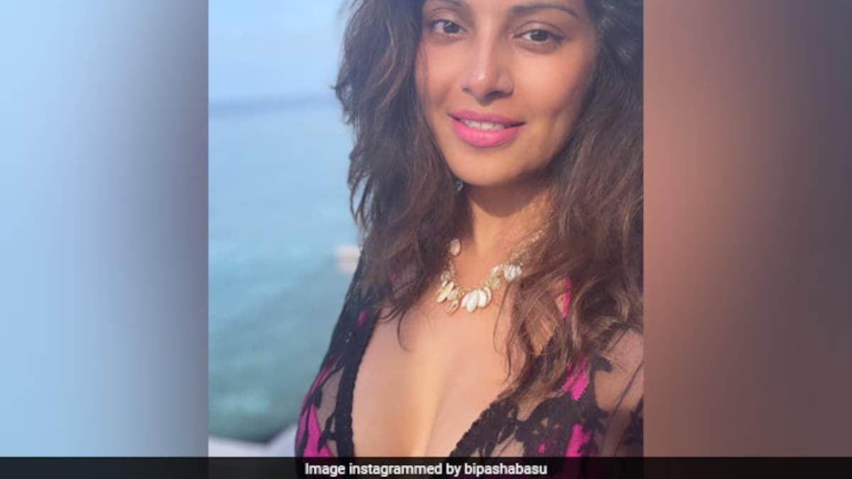Guess What Bipasha Basu Ate Over The Weekend? Hint: It's A Chicken Dish