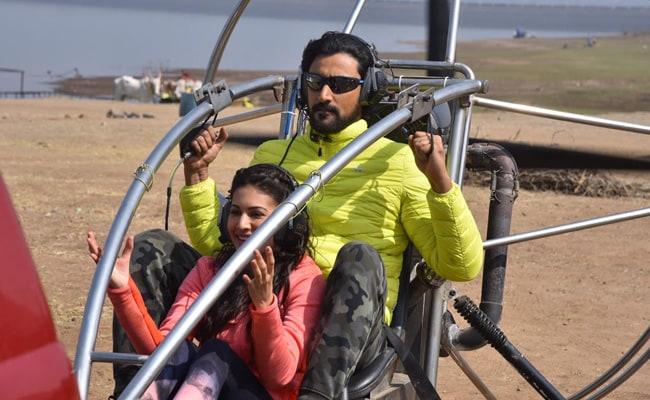 Koi Jaane Na: Kunal Kapoor And Amyra Dastur's Adventure Diaries