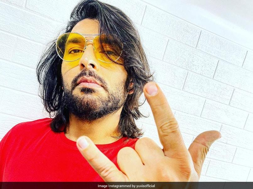 "Yuvraj Singh Flaunts New Hairstyle, Irfan Pathan, Shikhar Dhawan Call It ""Badshah"" Look"
