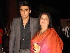 """Come Back Na,"" Arjun Kapoor Writes On Mom's Death Anniversary; Malaika Arora Posts Red Heart"