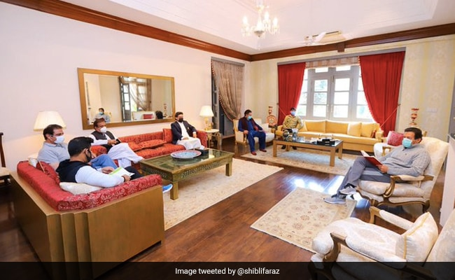 Pakistan's PM Imran Khan, Infected With COVID-19, Holds In-Person Meeting