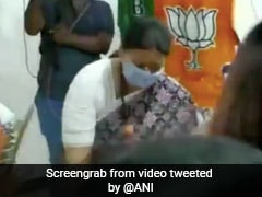 In Tamil Nadu To Campaign, Smriti Irani Dances With Party Workers. Watch