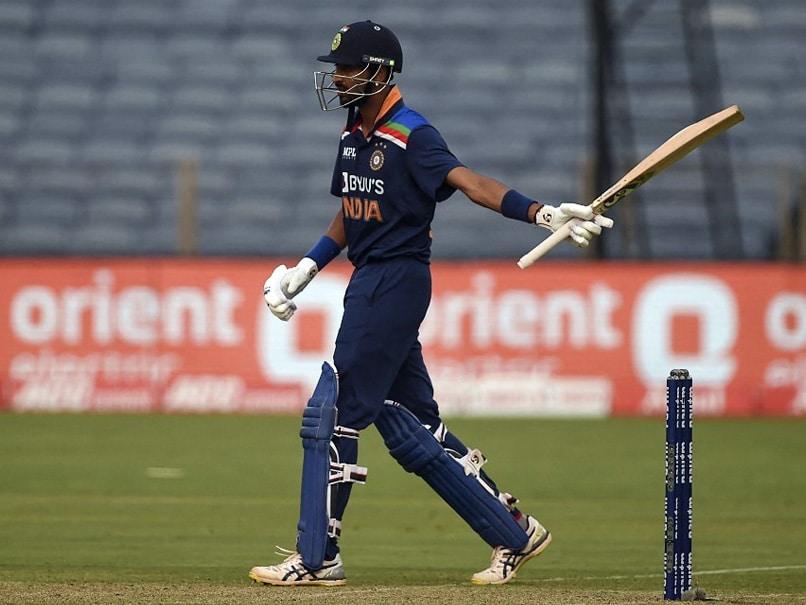 India vs England, 1st ODI: Krunal Pandya, Tom Curran Involved In Heated Verbal Exchange. Watch