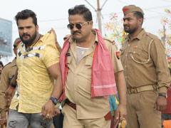 आम्रपाली दुबे के साथ पहली बार फिल्म कर रहे खेसारीलाल यादव ने की गुंडों की धुनाई तो पुलिस ने पकड़ा- देखें Video
