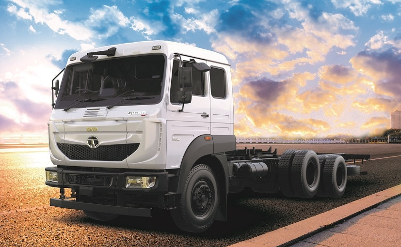 Tata Signa 3118.T is India's first 3-axle 6x2 rigid truck with 31 tonnes Gross Vehicle Weight (GVW).