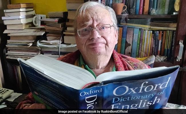 Author Ruskin Bond: Author Ruskin Bond Enjoys Fresh Jalebis On A Rainy Day In Mussoorie